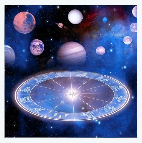 Atmosfera astrală MARTIE 2015: dinamism și emoții