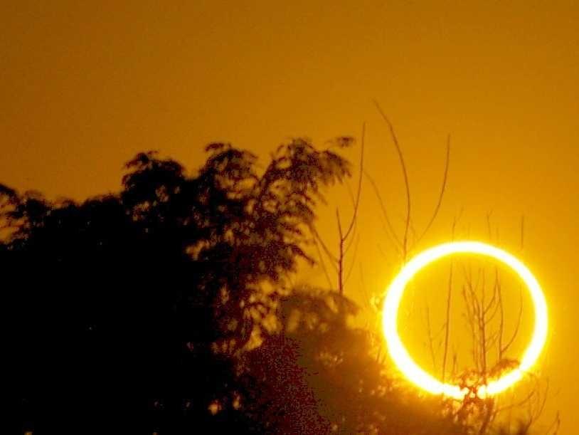 Luna Noua si Eclipsa hibrid de Soare in Scorpion, 3 noiembrie 2013. Ce stii si te prefaci ca nu stii?