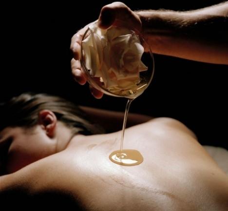 Masajul aromaterapeutic: cum functioneaza?