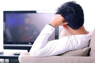 Privitul la televizor, intre relaxare si hipnoza